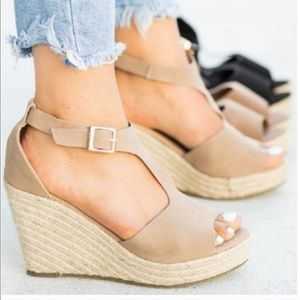 Shoes - NOW AVAILABLE ⭐️ Spring Espadrille Wedge- Taupe